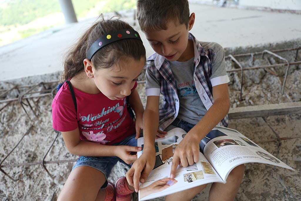 Children reading aloud